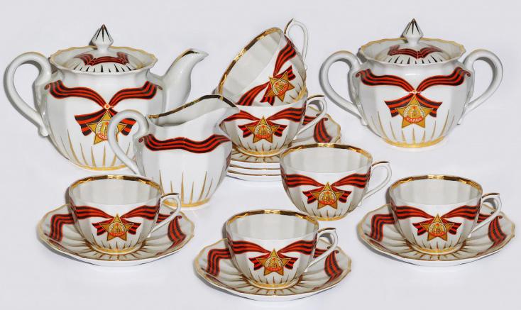 Сервиз чайный Фарфор Вербилок Слава. 3918000П3918000ПЧайные сервизы – это эксклюзивные наборы чашек и блюдечек. Все они отличаются совершенным качеством и неповторимостью. Каждый чайный сервиз из фарфора способен привнести в дом настроение праздничного застолья. Такие наборы подарят вам теплые ощущения от общения с близкими.