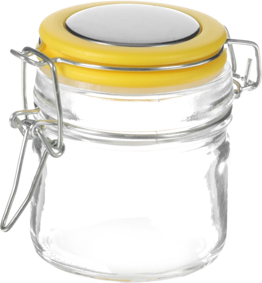 """Банка для хранения сыпучих продуктов """"Mayer & Boch"""",  выполненная из высококачественного стекла, предназначена  для хранения различных сыпучих продуктов. Пластиковая  крышка плотно и герметично закрывается с помощью  металлического зажима-клипсы, дольше сохраняя свежесть  продуктов. Такая баночка украсит любую кухню.  Диаметр банки (по верхнему краю): 6 см.  Высота банки (с учетом крышки): 7,5 см.  Объем: 100 мл."""