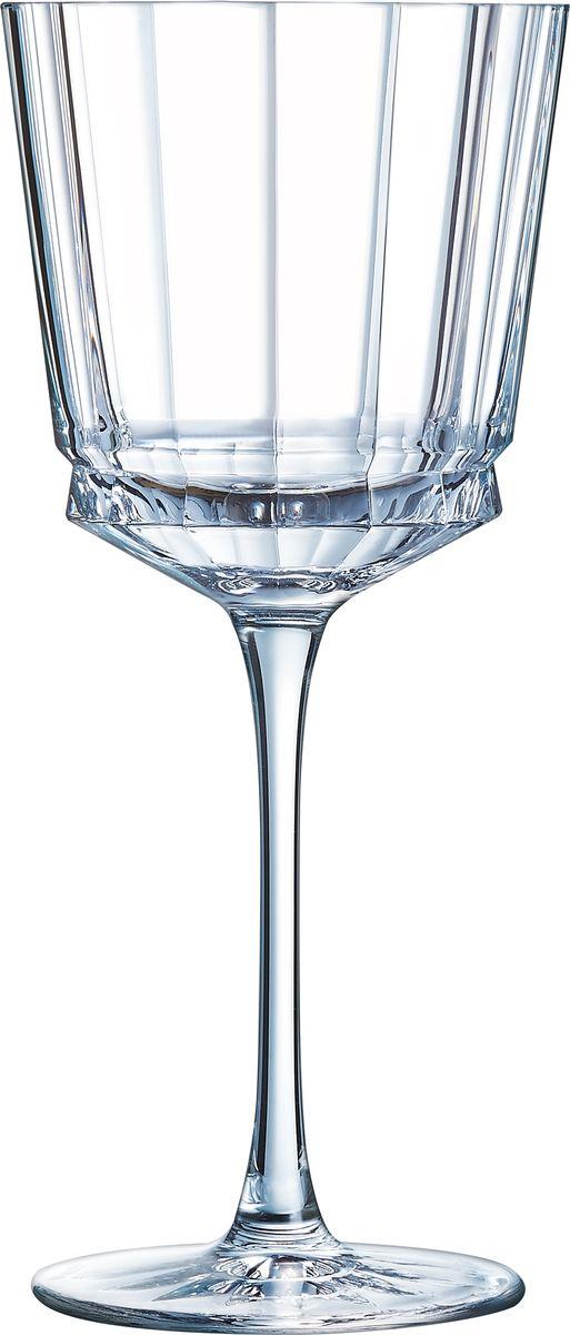 Набор бокалов для вина Cristal dArques Macassar, для вина, 350 мл, 6 шт. L6590L6590Прямые бокалы Cristal dArques Macassar переносят нас в мир высокой моды ар-деко. Они выделяются изысканностью текучих складок от ножек до верха и единством симметричных линий. Как модницы безумных двадцатых, украшаясь тюрбанами и султанами, открывали свободу движения в мягкой драпировке, так бокалы в несравненном блеске хрусталя радуются свободе стиля и чистоте прямых и закругленных граней. Подобно тому, как современный кутюрье пересматривает вечные мотивы моды, эти текучие и геометрические скульптуры смело нарушают условности и утверждают смелость на вашем столе.