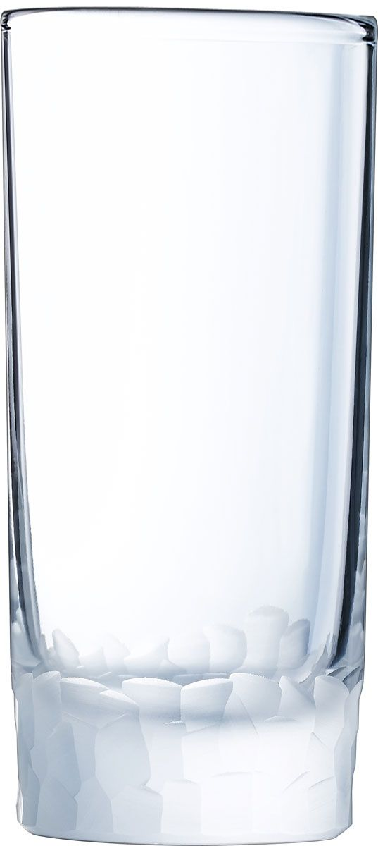 Набор стаканов Cristal dArques Intuition, 330 мл, 6 шт. L6641L6641Множество ограненных, четких, структурированных поверхностей пересекается случайным образом, образуя плотный лабиринт. Кубизм на столе. Коллекция Intuition - это проникновенное сверкающее хрусталем посвящение кубизму. Основания стаканов и стенки бокалов покрыты фрагментированными гранями, напоминающими манеру художников-кубистов. Основные геометрические формы непрерывно раскладываются и составляются вновь. Ограненные, четкие, структурированные поверхности пересекаются случайным образом. Геометрические объемы освобождаются, создавая густой лабиринт. Текстурированные и матовые поверхности контрастируют с блеском гладкого стекла, создавая переменчивый декор, в котором чередуются плоские и рельефные элементы.