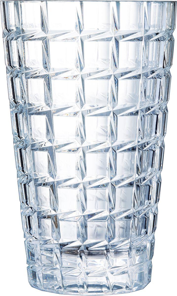 Ваза Cristal dArques Collectionneur, высота 27 смL8279Ваза Cristal dArques Collectionneur, настоящая скульптура из света, рассыпается мириадами искр.Коллекция Collectionneur - это коллекция ваз, искрящихся моментальными снимками света. Мириады искр брызжут из этих ваз этой особой коллекции, по воле света, всегда разного и всегда повторяющегося. Заостренная внешняя огранка, вертикальная и горизонтальная у ваз и ромбовидная на других изделиях, переменчивые отблески на геометрических гранях стенок, причудливый внешний вид и впечатляющая плотность: эти скульптуры из хрустального света распространяют легкие и волшебные солнечные отблески.