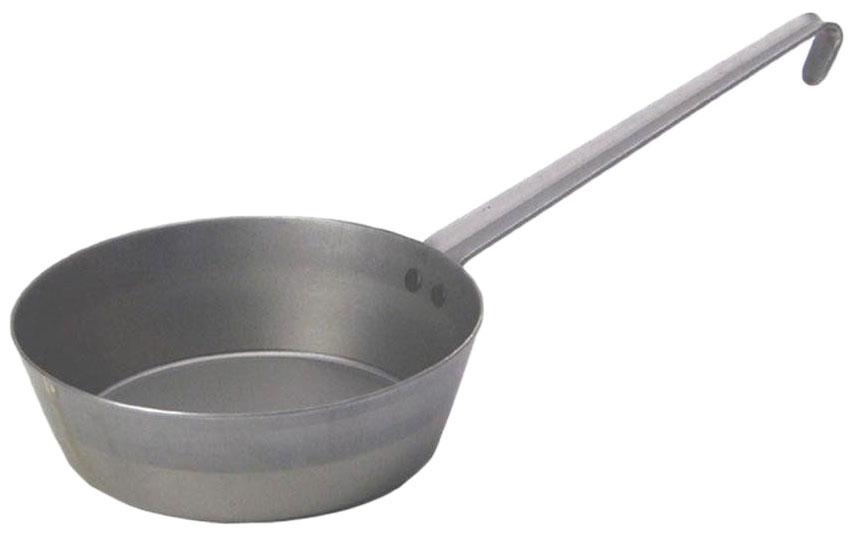Сковорода Riess Eisenpfanne Tirol. Диаметр 20 см0627-023Сковорода изготовлена из качественной стали, покрытой двумя слоями стекловидной эмали. Гладкая поверхность обеспечивает легкость ухода за посудой. Изделие оснащено удобной ручкой, которая не нагревается в процессе готовки.Сковорода подходит для использования на газовых, электрических и стеклокерамических плитах, кроме индукционных. Уважаемые клиенты! Для сохранения свойств посуды из чугуна и предотвращения появления ржавчины чугунную посуду мойте только вручную, горячей или теплой водой, мягкой губкой или щёткой (не металлической) и обязательно вытирайте насухо. Для хранения смазывайте внутреннюю поверхность посуды растительным маслом, а перед следующим применением хорошо накалите посуду.