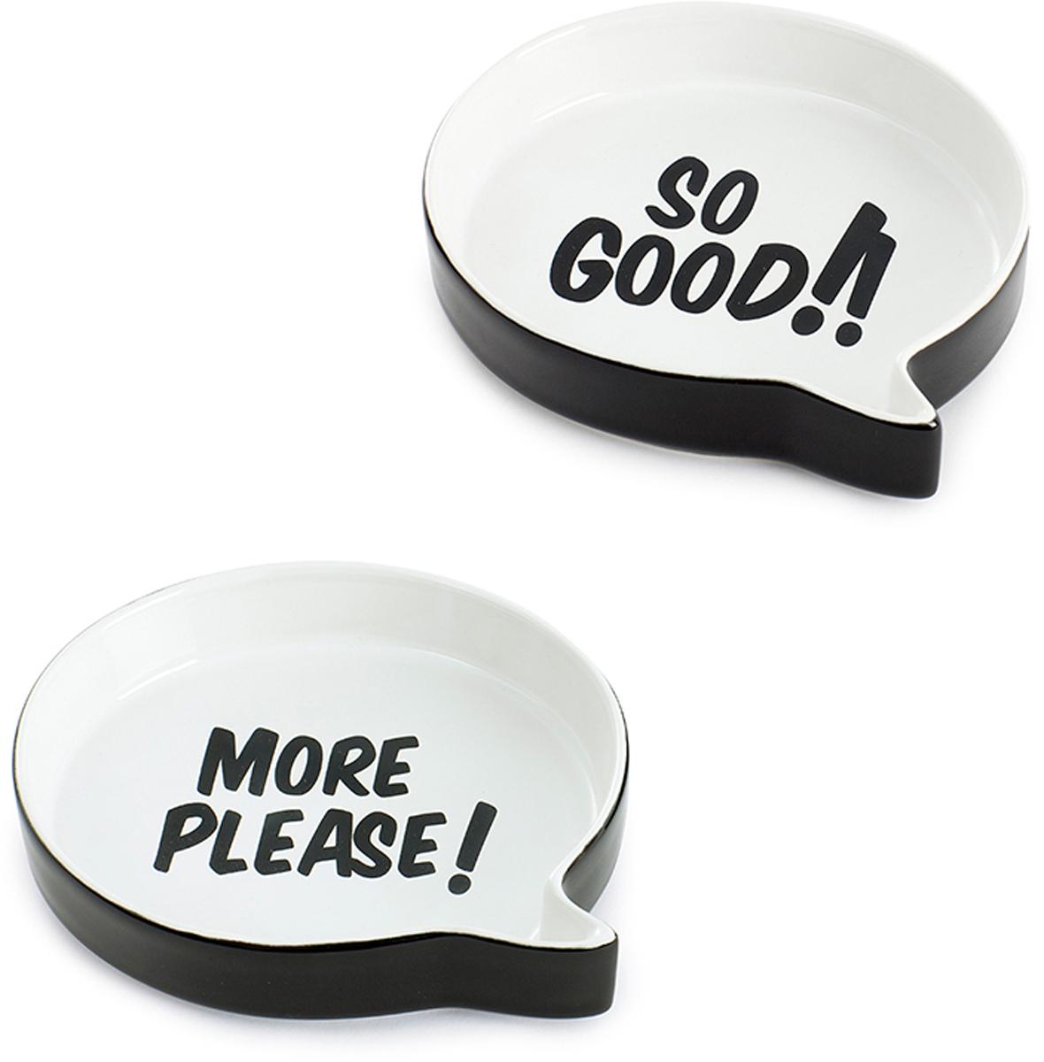 """Если вы хотите поднять настроение своим гостям, то удивите их самыми веселыми емкостями для снеков и закусок Talking Bubbles. В наборе  идут два блюда для закусок, выполненных в виде диалогового облака, на дне которого написаны забавные фразы - """"So Good!"""" (Очень вкусно!) и  """"More please!"""" (Добавки, пожалуйста!). Изделия специально предназначены для подачи снеков и закусок, которые будут смотреться внутри  емкостей невероятно аппетитно и оригинально. После того, как закуски будут съедены, гости порадуются оригинальным надписям на дне блюда.  Поднимите настроение себе и своим близким с помощью набора Talking Bubbles. - Необычный дизайн в форме диалоговых облаков - Набор состоит из двух блюд, изготовленных из качественной керамики - Прекрасное дополнение любого праздника"""