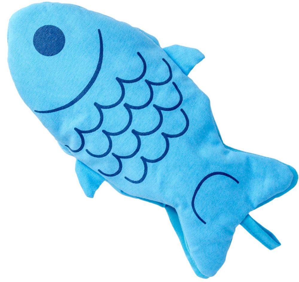 Прихватка для горячего Balvi Blue Fin, цвет: синий26151Прихватка для горячего Blue Fin предназначена специально для тех, кто любит печь или часто готовит различные блюда в духовом шкафу. Она разработана в виде рыбки синего цвета, поэтому она яркая, оригинальная и удобная в использовании. Выполнена из плотной хлопковой ткани, поэтому обеспечивает надежную защиту от высокой температуры.Не линяет при стирке и сохраняет первоначальную форму.Хорошая защита рук от прикосновения к горячим предметам на кухне.