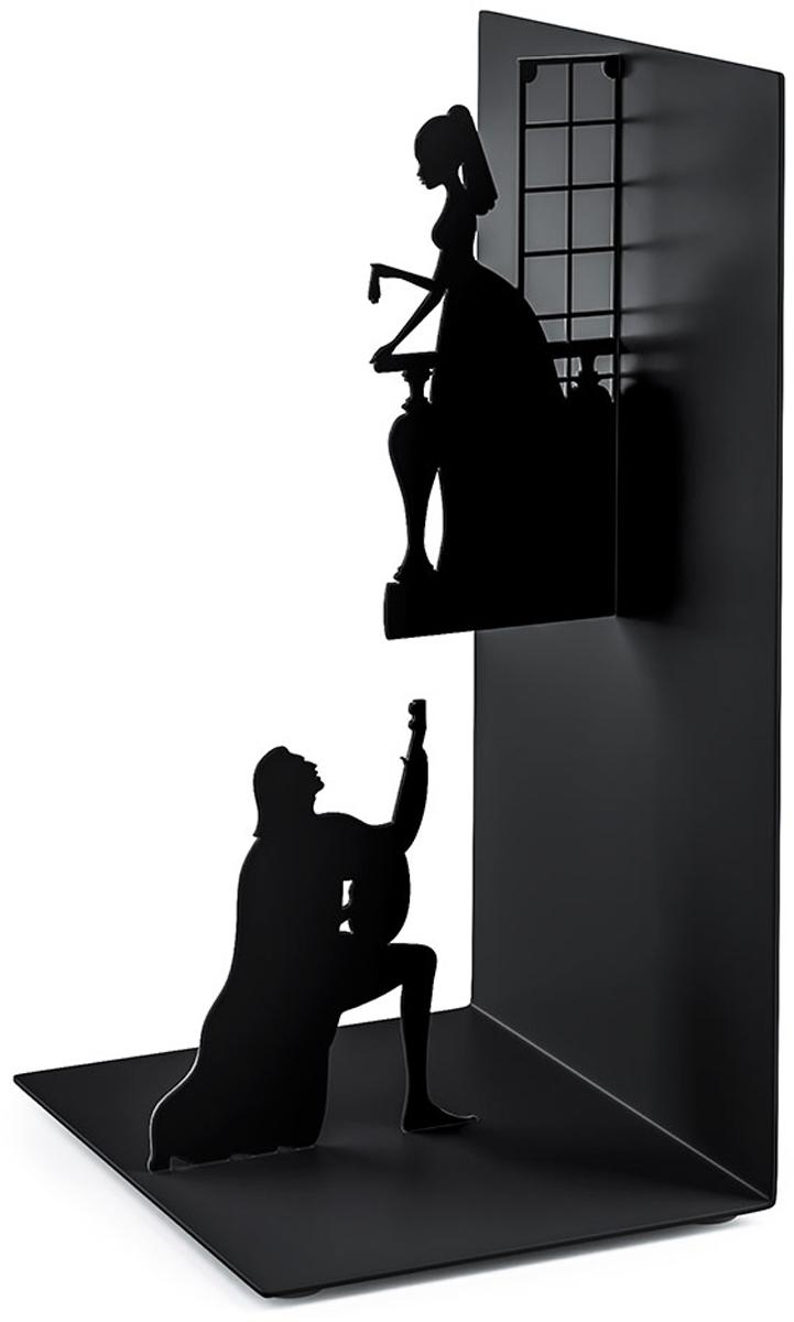 Держатель для книг Balvi Romeo&Juliet, цвет: черный26528Оригинальный держатель для книг Romeo&Juilet буквально воспроизводит одну из центральных сцен. Такой стильный держатель оценит каждый книголюб.- Высокое качество исполнения из прочного металла.- Отличная детализация и проработка образов Ромео и Джульетты. - Компактные габариты и удобная форма хранения любимых книг.