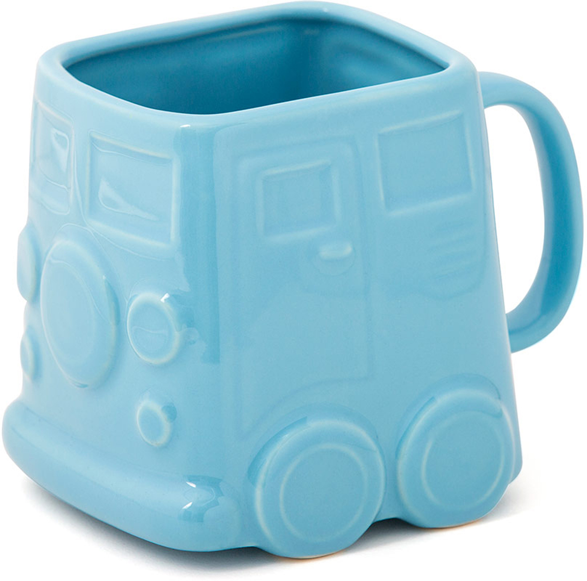 Кружка Balvi Van, цвет: синий, 400 мл26642Оригинальная кружка Van отлично подойдет всем любителям стильных аксессуаров для своей кухни. Кружка синего цвета выполнена в необычной прямоугольной форме и оформлена в виде забавного хиппи-фургона на колесах. Коллекционеры и просто любители необычных кружек обязательно оценят данную модель от испанских дизайнеров. Керамический материал обеспечивает необходимую прочность, и способствует тому, чтобы напиток не обжигал, но при этом долго сохранял тепло.- Оригинальный дизайн хиппи-фургончика 60-х годов XX века.- Детализированная проработка внешнего вида.- Яркий насыщенный цвет.- Отличный подарок коллекционерам и просто любителям стильных вещей.- Оъем: 400 мл.