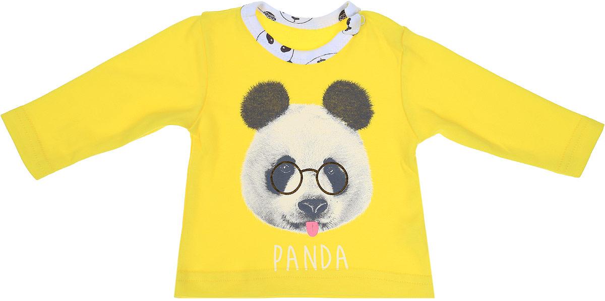 Джемпер детский КотМарКот Панда Rock, цвет: светло-бежевый, желтый. 7926. Размер 807926Детский джемпер КотМарКот Панда Rock изготовлен из интерлока и оформлен ярким принтом с изображением панды. Материал изделия мягкий и тактильно приятный, не раздражает нежную кожу ребенка и хорошо пропускает воздух. Модель прямого кроя с длинными рукавами имеет удобные застежки-кнопки на плече, что позволит легко переодеть ребенка. Круглый вырез горловины дополнен мягкой эластичной бейкой контрастного цвета. Изделие полностью соответствует особенностям жизни ребенка в ранний период, не стесняя и не ограничивая его в движениях.