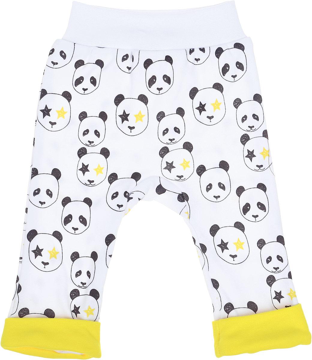 Ползунки КотМарКот Панда Rock, цвет: светло-бежевый, желтый. 5826. Размер 745826Удобные ползунки с открытыми ножками КотМарКот Панда Rock изготовлены из интерлока и оформлены ярким принтом с изображением панд. Модель с декоративными отворотами стандартной посадки на поясе имеет широкую эластичную резинку, которая плотно облегает, но не сдавливает животик ребенка.Материал ползунков мягкий и тактильно приятный, не раздражает нежную кожу ребенка и хорошо пропускает воздух. Изделие полностью соответствует особенностям жизни ребенка в ранний период, не стесняя и не ограничивая его в движениях.