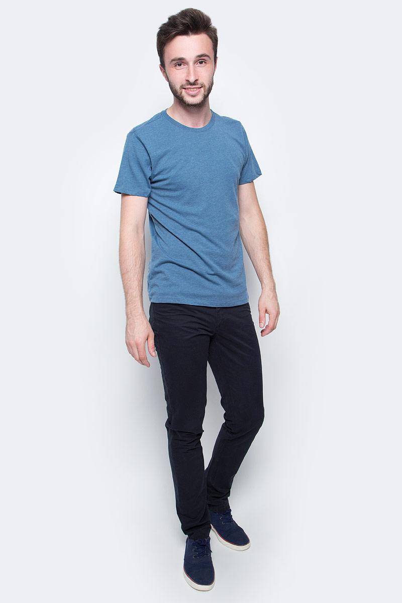 Футболка мужская Sela, цвет: темно-синий. Ts-211/276-7340. Размер L (50)Ts-211/276-7340Мужская базовая футболка Sela изготовлена из хлопка с добавлением полиэстера. Модель полуприлегающего силуэта имеет стандартную длины, круглый вырез горловины и короткие рукава. Легкая и комфортная футболка удобна в носке.