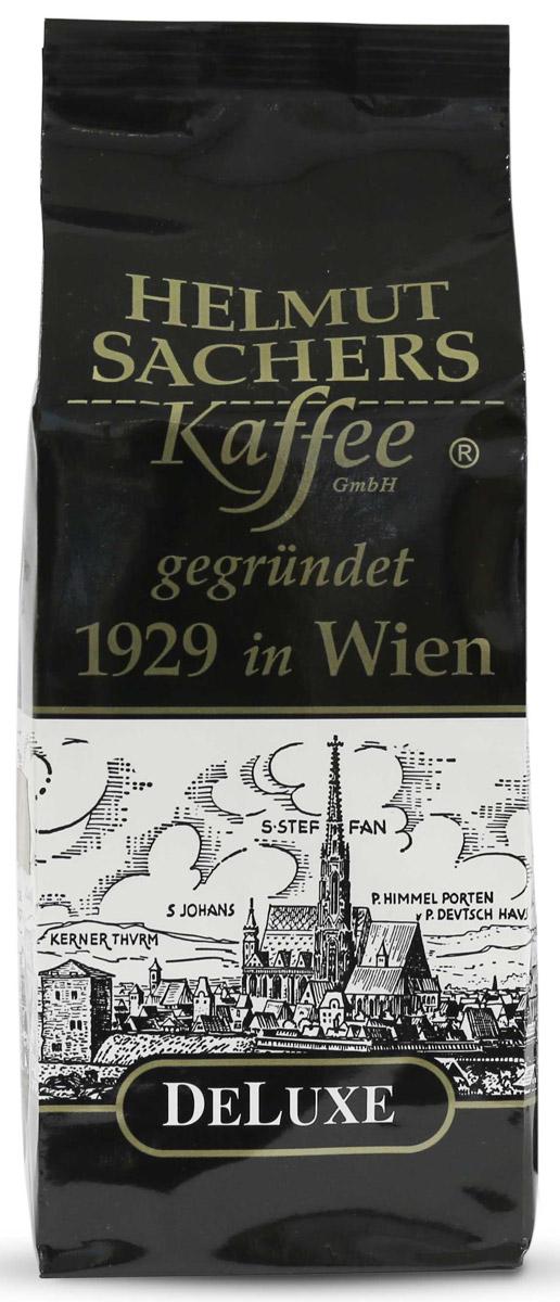 Helmut Sachers кофе де люкс в зернах, 250 гCHLMSC-000004Helmut Sachers в зернах De Luxe – это элитный бодрящий продукт, который производится по самым современным технологиям. Для создания благородного напитка используются отборные ягоды арабики, которые проходят несколько этапов деликатной обработки, включая обжарку среднего уровня. Тепловое воздействие позволяет раскрыть оригинальные вкусоароматические свойства плодов кофе, которые становятся идеальной основой для создания напитка с насыщенным вкусом.Букет Гельмут Захерс в зернах Де Люкс довольно интересен: в нем присутствуют оттенки ореха, ванили, карамели и фруктов, а ненавязчивая кислинка придает деликатесу оригинальности. Аромат продукта изобилует нотками миндаля и какао, которые переплетаются с пряными мотивами.На Helmut Sachers в зернах De Luxe цена отнюдь не низкая, однако высокая стоимость напитка сполна окупается его неповторимыми вкусовыми и ароматическими качествами. Можете быть уверены: Гельмут Захерс в зернах Де Люкс обязательно понравится вам и вашим близким, которые по достоинству оценят роскошный букет этого деликатеса.Кофе: мифы и факты. Статья OZON Гид