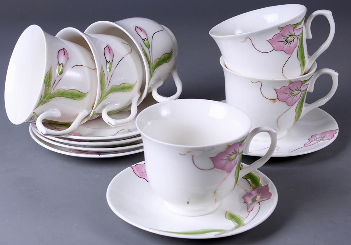 Набор чайный Olaff New Bone China. Цветы, 12 предметов. SC-EDB6PB-032SC-EDB6PB-032Набор чайный Olaff New Bone China. Цветы состоит из 6 чашек и 6 блюдец. Набор изготовлен из высококачественного фарфора и оформлен стильным рисунком. Такой набор подходит для подачи чая.Изящный дизайн придется по вкусу и ценителям классики, и тем, кто предпочитает утонченность и изысканность. Он настроит на позитивный лад и подарит хорошее настроение с самого утра. Чайный набор Olaff - идеальный и необходимый подарок для вашего дома и для ваших друзей в праздники.