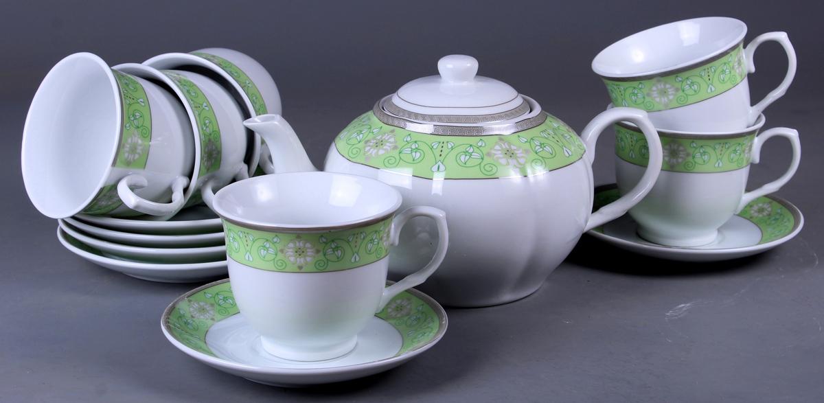 Набор чайный Olaff, 13 предметов. SCS-13QWB-010SCS-13QWB-010Набор Olaff состоит из шести чашек, шестиблюдец и чайника изготовленных из высококачественного фарфора.Изделия оформлены стильным рисунком, декорированы серебром.Такой набор подходит для подачи чая.Изящный дизайн придется по вкусу и ценителямклассики, и тем, кто предпочитает утонченность иизысканность. Он настроит на позитивный лад иподарит хорошее настроение с самого утра. Чайныйнабор Olaff - идеальный и необходимый подарокдля вашего дома и для ваших друзей в праздники.