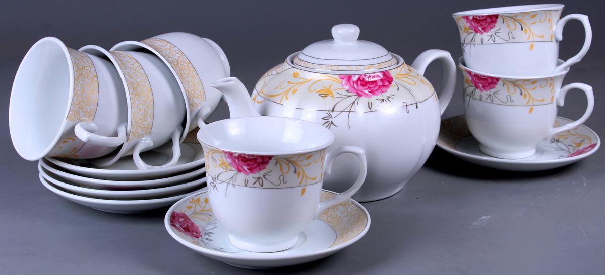 Набор чайный Olaff, 13 предметов. SCS-13QWB-011SCS-13QWB-011Набор Olaff состоит из шести чашек, шестиблюдец и чайника изготовленных из высококачественного фарфора.Изделия оформлены стильным рисунком, декорированы серебром.Такой набор подходит для подачи чая.Изящный дизайн придется по вкусу и ценителямклассики, и тем, кто предпочитает утонченность иизысканность. Он настроит на позитивный лад иподарит хорошее настроение с самого утра. Чайныйнабор Olaff - идеальный и необходимый подарокдля вашего дома и для ваших друзей в праздники.
