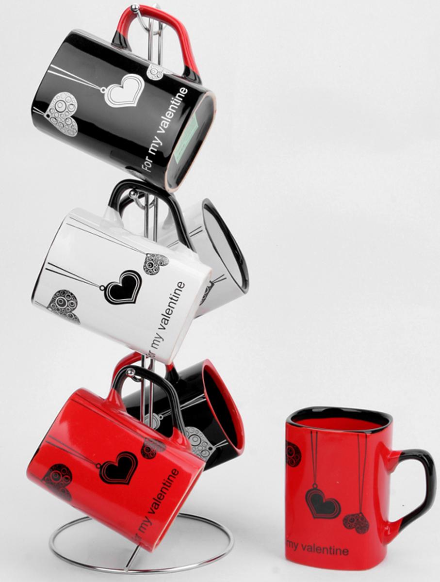 Набор кружек Elrington Фишки, на подставке, 380 мл, 6 шт. YC-4791-6CBYC-4791-6CBНабор кружек Elrington Фишки состоит из шести кружек, которые подвешиваются на специальную металлическую подставку. Кружки изготовлены из высококачественной керамики и украшены изображением сердечек и надписью For My Valentine.Яркий дизайн придется по вкусу и ценителям классики, и тем, кто предпочитает современный дизайн. Он настроит на позитивный лад и подарит хорошее настроение с самого утра. Набор кружек Elrington Фишки идеальный подарок в праздники, юбилеи и торжества! Он также станет отличным украшением любой кухни.