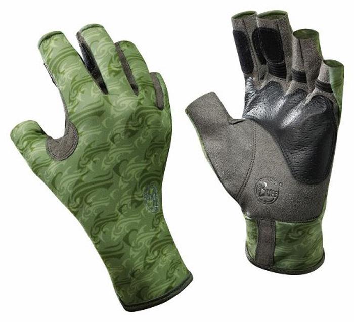 Перчатки рыболовные Buff Angler Skoolin Sage, цвет: светло-зеленый. 15286. Размер XL/XXL (8,5-9)Angler Skoolin SageТехнологичные рыболовные перчатки с креативным дизайном Angler Skoolin Sage выполнены из прочной стрейчевой ткани. Прекрасно облегают кисть, защищают от проникновения влаги и физических повреждений кожи. Ладонь перчатки не скользит при соприкосновении с мокрой поверхностью. Перчатки имеют фактор защиты от солнца UPF 50+, при этом прекрасно дышат и обеспечивают комфорт. Модель имеет открытые пальцы и удлиненную манжету.