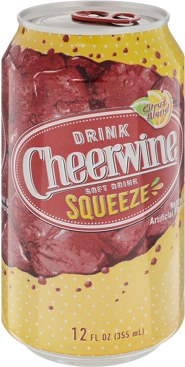 Cheerwine Squeeze напиток газированный, 355 мл70925001819Cheerwine - насыщенный вкус спелой вишни чернокорки.Производство - США.Традиционный напиток Северной Каролины. Вкус свежей вишни напоминает молодое игристое вино.