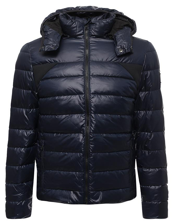 Куртка мужская Calvin Klein Jeans, цвет: синий. J30J305551_4020. Размер M (46/48)J30J305551_4020Мужская стеганая куртка Calvin Klein выполнена из 100% полиэстера. Модель имеет длинные рукава, воротник-стойку, капюшон с кнопками. Куртка застегивается на молнию. Имеются два врезных кармана на молнии.