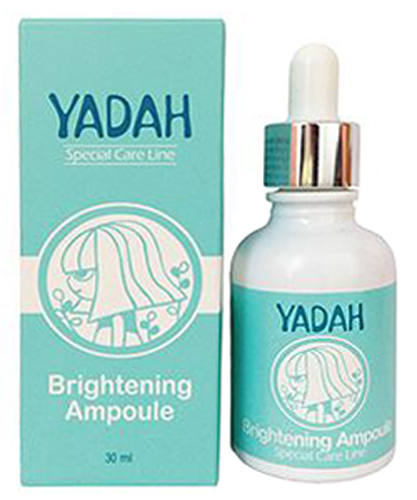 Yadah Сыворотка для сияния кожи, 30 мл8809340380153Всего 2-3 капли средства при регулярном применении позволяют значительно улучшить состояние кожи, осветляя пигментацию и выравнивая тон, благодаря чему лицо становится более свежим, ухоженным, наполняется сиянием. Сыворотка изготовлена по современной технологии с использованием нанолипосом, в которые заключены активные компоненты средства – витамины B, E и C. Нанолипосомы помогают витаминам сохранить свои полезные свойства, благодаря чему можно в кратчайшие сроки улучшить состояние кожи. Нанолипосомы обладают способностью проникать под неживой ороговевший слой на поверхности кожи, где они соединяются с активными клетками и насыщают их своим содержимым. Также липосомы проникают в глубокие слои кожи, где запускают процессы восстановления. Витаминный комплекс способствует осветлению пигментации, подавляя синтез меланина, благодаря чему тон кожи становится более равномерным, исчезает пигментация различного происхождения, уменьшается проявление купероза, рассасываются застойные пятна. Также в составе сыворотки компоненты, усиливающие осветляющее действие средства: экстракты моркови, сафлоры, камелии, белой шелковицы, пиона, хризантемы и бамбука. Сыворотку можно применять как в чистом виде, так и в качестве добавки в любимое косметическое средство. Подходит для любого типа кожи с пигментацией и тусклым цветом.