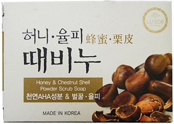 DongBang Мыло-скраб с экстрактами 5 злаков, 100 г, DongBang8809055042834Отшелушивающее мыло с экстрактами злаков риса, пшена, слезлика и адзуки. Эффективно очищает кожу и поддерживает уровень увлажненности. В растительную основу мыла добавляется натуральный компонент AHA (фруктовый экстракт), который эффективно удаляет загрязнения как на поверхности кожи, так и из глубины пор. Также в составе есть масло камелии, которое поддерживает должный уровень увлажненности кожи. Мыло не раздражает кожу. При производстве не использовались химические добавки, а лишь натуральные масла и природные компоненты.