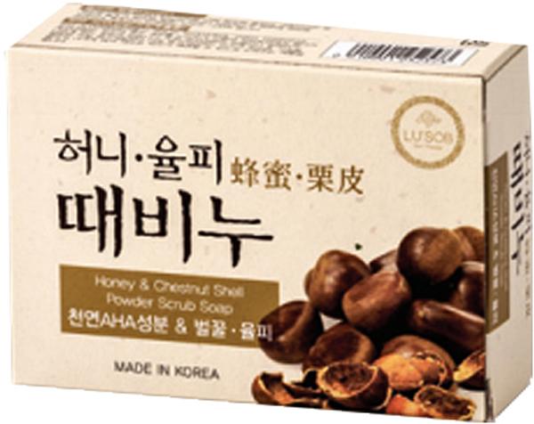 DongBang Мыло-скраб с экстрактом меда и каштана, 100 г8809055042841Отшелушивающее мыло из меда и скорлупы каштана снабжает кожу необходимыми ингредиентами.В растительную основу мыла добавляется натуральный компонент AHA (фруктовый экстракт), скорлупа каштана, различные витамины и мед. Такой богатый состав помогает повышать увлажненность кожи.Мыло не раздражает кожу.При производстве не использовались химические добавки, а лишь натуральные масла и природные компоненты.