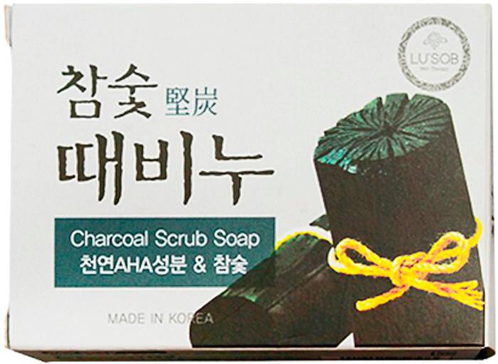 DongBang Мыло-скраб с экстрактами древесного угля, 100 г8809055042858Отшелушивающее мыло из древесного угля. В растительную основу мыла добавляется натуральный компонент AHA (фруктовый экстракт) и древесный уголь, которые эффективно удаляют загрязнения как на поверхности кожи, так и из глубины пор. Также в составе есть масло камелии, которое поддерживает должный уровень увлажненности кожи. Мыло не раздражает кожу. При производстве не использовались химические добавки, а лишь натуральные масла и природные компоненты.