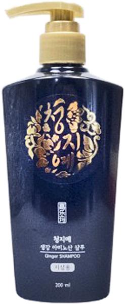 Cheng Jie Шампунь с экстрактом имбиря, 200 мл8809054703088Данный непревзойденный шампунь обеспечит профессиональный уход локонам, подарит здоровье, силу, блеск и сияние. Прекрасные растительные составляющие бережно очистят, уберут чрезмерную сальность, наполнят ценной влагой, микроэлементами. Шампунь смягчает волосы, делает их послушными и приятными. Он успокаивает и заботится об эпителии головы. Действие всех компонентов приносит высококлассный результат. Главное действующее вещество – экстракт имбиря. Это растение хорошо воздействует на волосы с чрезмерными сальными выделениями. Оно нормализует уровень жирности, не вызывая сухость, шелушение, не приводя к появлению перхоти. Имбирь наполняет корни ценными эфирными маслами, витаминами и микроэлементами. Растение дарит локонам шелковистость, гладкость и силу. Имбирь не вызывает раздражений, активирует рост волос, предотвращает их выпадение. Также, в состав шампуня вошел ментол. Этот компонент непревзойденно воздействует на чрезмерно сальные волосы. Он нормализует жирность и количество выделений. Ментол снимает раздражения, успокаивает зуд, убирает перхоть, шелушение. Это растение дарит блеск и сияние, делает локоны податливыми и мягкими. Ментол наполняет корни важными элементами, маслами, питает. Он тонизирует эпителий на голове, улучшая кровообращение и обменные процессы. Такое действие помогает ускорить рост волос, предотвращает их выпадение, делает более густыми. Экстракт ангелики в составе шампуня тонизирует эпидермис на голове. Он укрепляет сосуды, улучшает в них кровообращение и обменные процессы. Это стимулирует рост волос, повышает их крепость и прочность. Эластичные локоны менее подвержены ломанию, сечению. Экстракт ангелики снимает воспаления, убирает покраснения. Он является сильным антиоксидантом и предотвращает старение клеток. Таким образом, данный шампунь включил в себя непревзойденные растительные экстракты, которые делают локоны крепкими, эластичными, мягкими, послушными. При этом волосы блестят и си