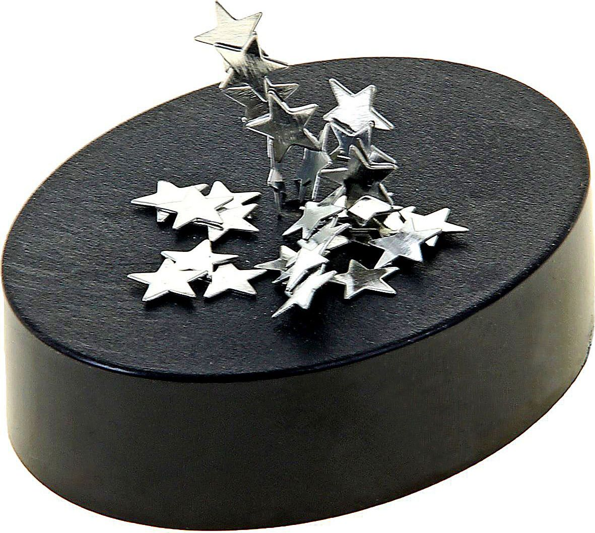 Магнитный конструктор Звездочки422229Магнитный конструктор Звездочки — прекрасный подарок для работника офиса и для человека, который подвержен ежедневным стрессам. Изделие выполнено из металла. С такой забавой вы можете самостоятельно выстраивать фигурки, снимая нервное напряжение прямо на рабочем месте. А еще Магнитный конструктор Звездочки можно использовать как стандартную скрепочницу. Развивайте воображение, творческие способности и мелкую моторику рук вместе с этим необычным конструктором.