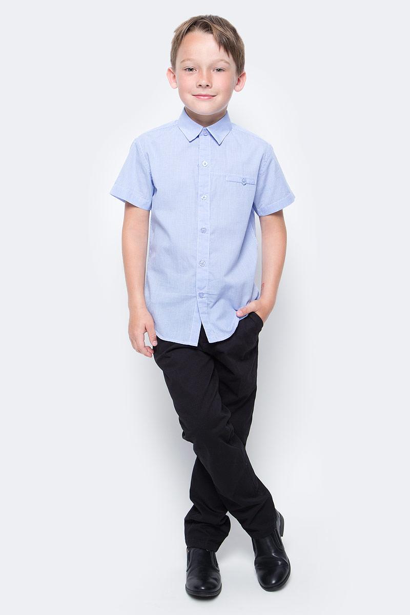 Рубашка для мальчика Vitacci, цвет: голубой. 1173027М-10. Размер 1521173027-10/1173027М-10Рубашка для мальчика выполнена из хлопка. Модель с отложным воротником и короткими рукавами застегивается на пуговицы.