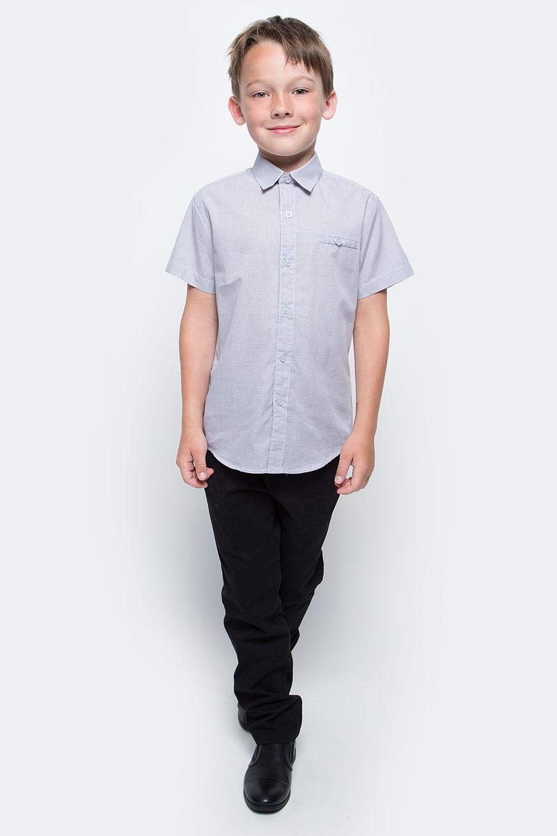 Рубашка для мальчика Vitacci, цвет: серый. 1173027-02. Размер 1221173027-02Рубашка для мальчика выполнена из хлопка. Модель с отложным воротником и короткими рукавами застегивается на пуговицы.