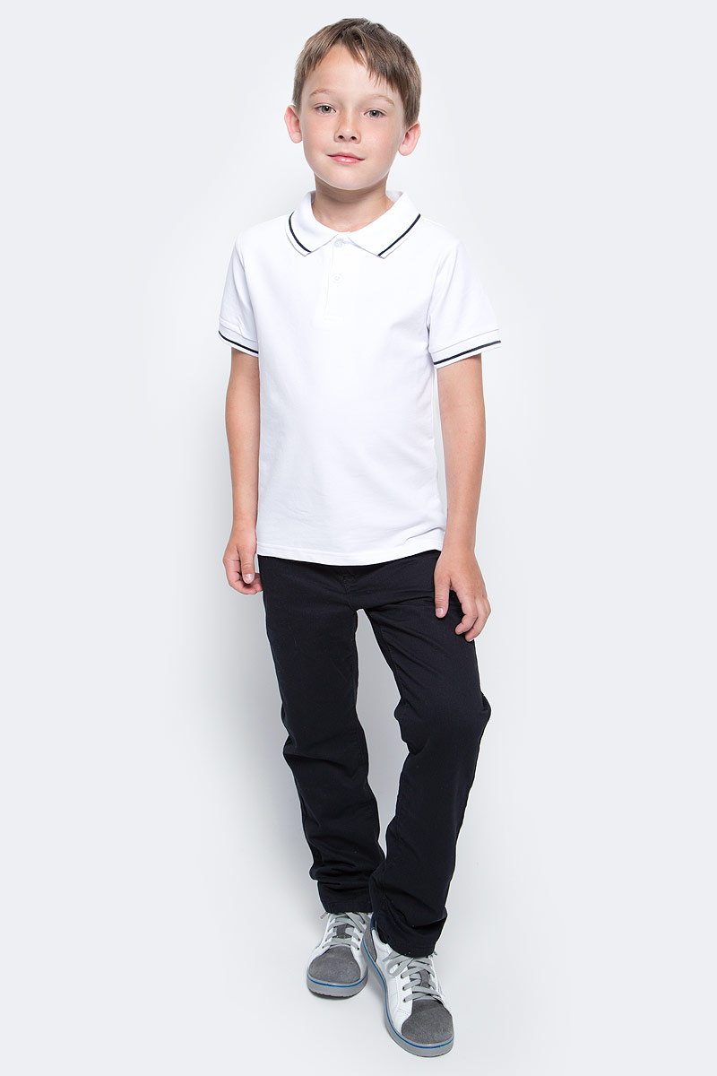 Поло для мальчика Vitacci, цвет: белый. 1173010-01. Размер 1281173010-01/1173010M-01Футболка-поло для мальчика выполнена из хлопка и эластана. Модель с отложным воротником и короткими рукавами застегивается на пуговицы.