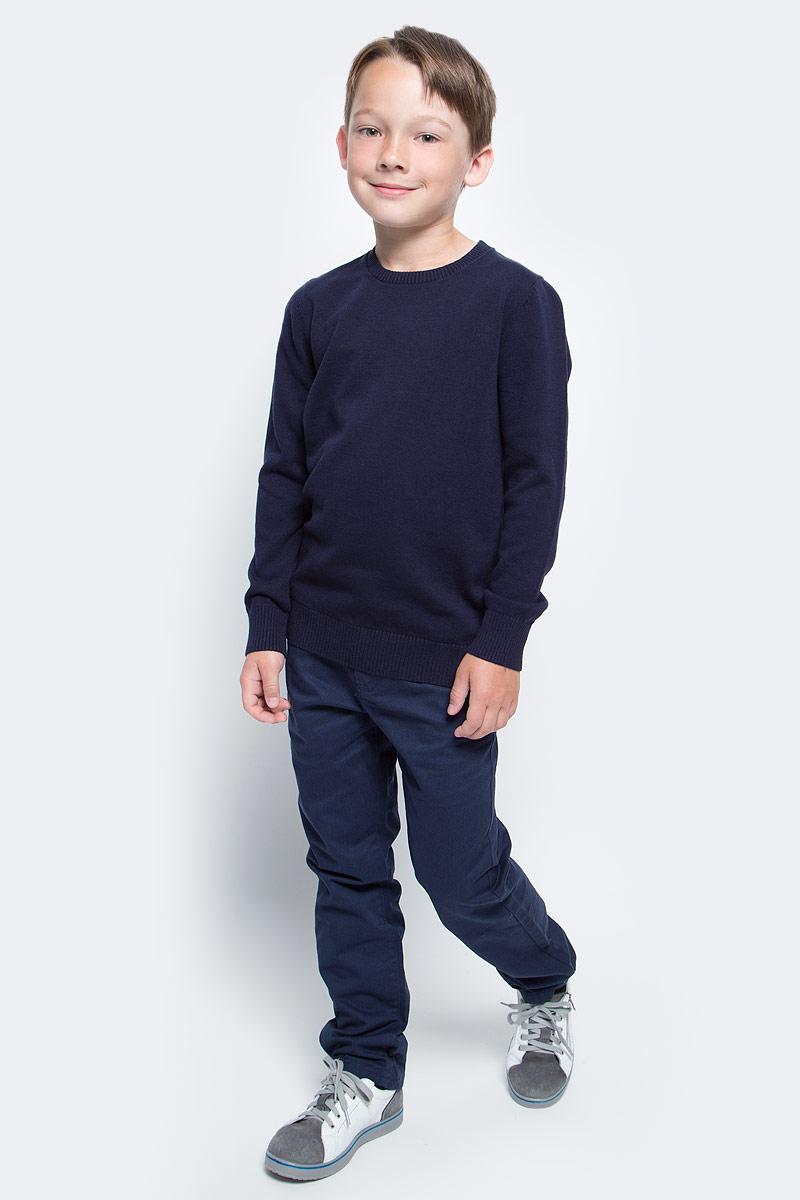 Джемпер для мальчика Sela, цвет: темно-синий. JR-814/095-7340. Размер 128, 8 летJR-814/095-7340Классический джемпер для мальчика Sela станет отличным дополнением к повседневному гардеробу каждого мальчика. Модель прямого кроя с длинными рукавами изготовлена из натурального хлопкового трикотажа мелкой вязки. Круглый вырез горловины, манжеты рукавов и низ изделия связаны резинкой. Модель подойдет для школы, прогулок и дружеских встреч и будет отлично сочетаться с джинсами и брюками.