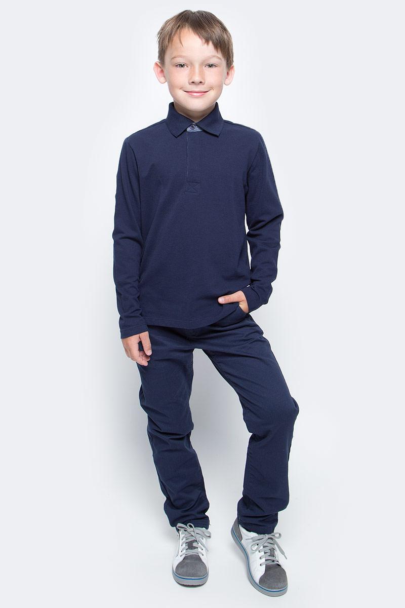 Поло для мальчика Sela, цвет: темно-синий. Tp-811/1088-7340. Размер 146Tp-811/1088-7340Стильное поло для мальчика Sela поможет создать модный образ и станет отличным дополнением к повседневному гардеробу. Модель прямого кроя с отложным воротничком застегивается на пуговицы до середины груди. Поло подойдет для прогулок или дружеских встреч и будет отлично сочетаться с джинсами и брюками. Мягкая ткань на основе хлопка приятна на ощупь и комфортна в носке.