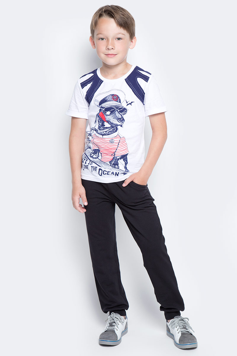 Брюки для мальчика LeadGen, цвет: черный. B611045502-171. Размер 104B611045502-171Брюки для мальчика LeadGen выполнены из хлопкового трикотажа. Модель стандартной посадки с карманами на талии дополнена эластичной резинкой со шнурком. Брючины понизу имеют широкие манжеты.