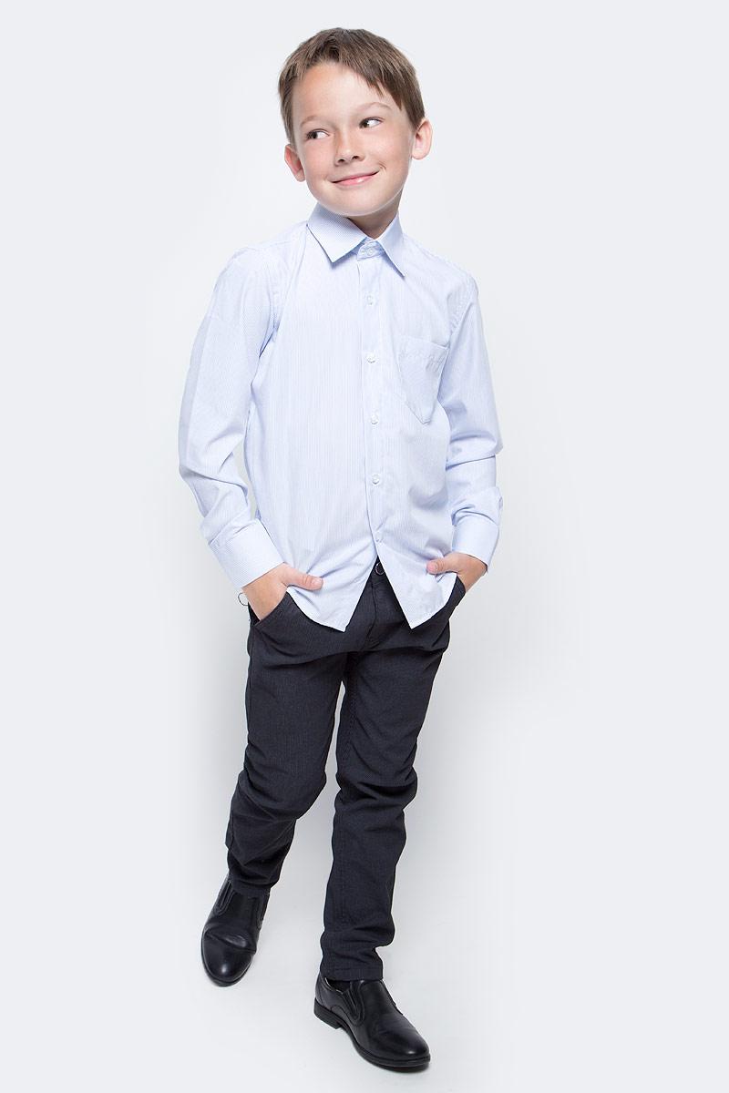 Рубашка для мальчика Nota Bene, цвет: светло-голубой. 7405DA23. Размер 1227405DA23Рубашка для мальчика Nota Bene выполнена из высококачественного хлопкового материала. Модель с классическим отложным воротником и длинными рукавами застегивается на пуговицы, на груди дополнена накладным карманом.