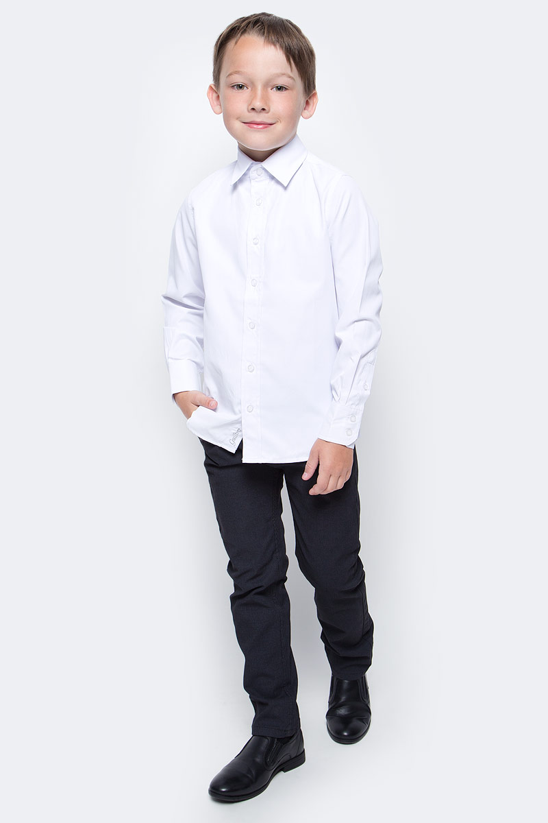 Рубашка для мальчика Gulliver, цвет: белый. 217GSBC2302. Размер 164217GSBC2302Школьная рубашка - классика жанра! Строгая, лаконичная, элегантная рубашка для школы настроит на серьезный и ответственный подход к делу. Хороший состав, качество и текстура ткани, модный силуэт, актуальная форма воротника делают рубашку отличным решением на каждый день, позволяющим ребенку чувствовать себя уверенно и достойно. Если вы хотите купить рубашку для ежедневного комфорта и отличного внешнего вида ребенка, детская рубашка от Gulliver- лучшее решение. Она сделает образ ученика стильным, свежим, интересным.