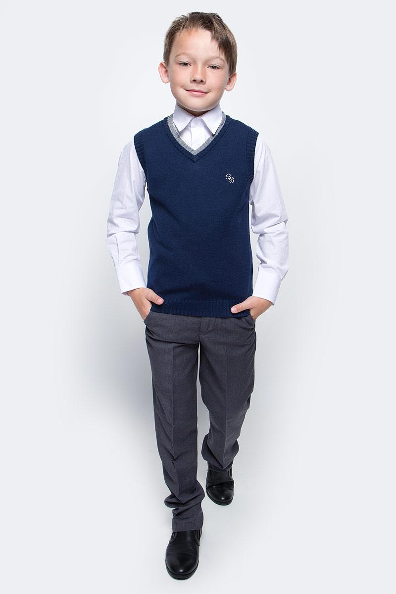Жилет для мальчика Button Blue, цвет: синий. 215BBBS3002. Размер 146, 11 лет215BBBS3002Уютный вязаный жилет для мальчика Button Blue идеально подойдет для школы и повседневной носки. Изготовленный из акриловой пряжи с добавлением шерсти и нейлона, он необычайно мягкий и приятный на ощупь, не сковывает движения и позволяет коже дышать, не раздражает даже самую нежную и чувствительную кожу ребенка, обеспечивая ему наибольший комфорт. Жилет классического кроя с V-образным вырезом горловины позволяет создавать деловые образы в сочетании с рубашками и водолазками. Пройма рукавов, горловина и низ модели связаны резинкой. На груди изделие оформлено небольшой вышивкой в виде логотипа бренда. Вырез горловины оформлен контрастной вязкой. Вязаный жилет - хорошая альтернатива пиджаку в прохладное время года.Он также отлично смотрится и в комплекте с деловым костюмом. Являясь важным атрибутом школьной моды, стильный жилет создает тепло и комфорт.