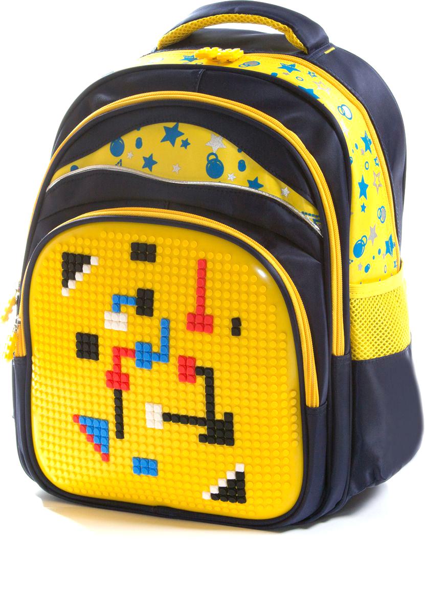 Vittorio Richi Рюкзак цвет темно-синий желтый K07R166903K07R166903Рюкзак Vittorio Richi с набором пикселей в комплекте выполнен из водоотталкивающей и износостойкой ткани.Рюкзак имеет укрепленную спинку, эластичные широкие лямки. Рюкзак содержит два основных отделения на застежках-молниях, дополнительный внешний карман на молнии и два открытых кармашка по бокам. Внутри изделия находится дополнительный карман для мелочей.