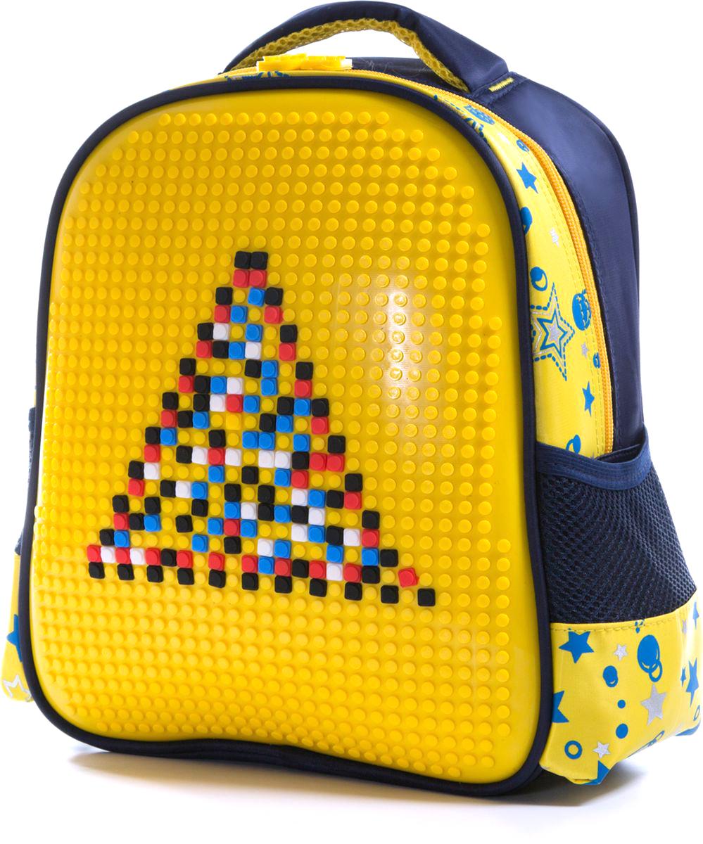 Vittorio Richi Рюкзак для мальчика цвет темно-синий, желтый K07R88803K07R88803Рюкзак Vittorio Richi с набором пикселей в комплекте. Водоотталкивающая износостойкая ткань. Укрепленная спинка, эластичные широкие лямки. У рюкзака одно основное отделение, дополнительный карман для мелочей внутри, два открытых кармашка по бокам.