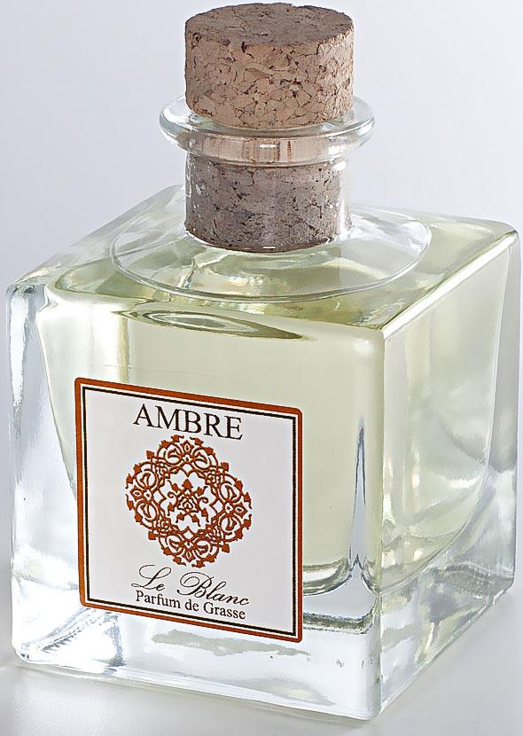 Диффузор ароматический Le Blanc Амбра, 50 мл2000000003474Ароматический диффузор Le Blanc Амбра наполнит дом неповторимым ароматом. Амбра - истинный алмаз парфюмерии, приносящий нам грёзы о таинственном и загадочном Востоке. Диффузор, упакованный в подарочную коробку, будет отличным подарком. В комплект входит емкость с жидкостью в выбранном объеме, тростниковые палочки, картонная коробочка.