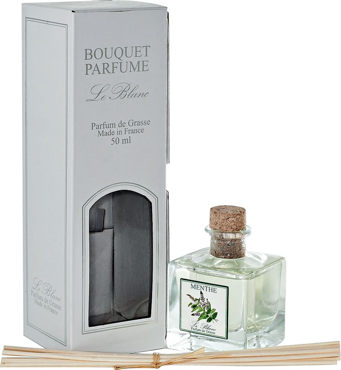 Диффузор ароматический Le Blanc Мята, 50 мл2000000022475Аромат мяты всегда был символом изысканной свежести. Противоречивый, сильный, бодрящий, травяной, этот волшебный запах переносит нас в мир зелёных чащ и непроходимых лесов, где лёжа на ковре из густых трав мы наслаждаемся мятным ароматом. Яркий и бодрящий аромат ассоциируется с запахом цветов после дождя, благоуханием водных кувшинок, ощущением свежести после морского купания, ароматом чистоты, лёгкости и невинности. Диффузор, упакованный в подарочную коробку, будет отличным подарком. В комплект входит емкость с жидкостью в выбранном объеме, тростниковые палочки, картонная коробочка.
