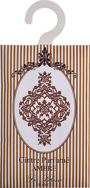 Саше ароматическое Le Blanc Амбр2000000038353Подарки от Le Blanc - это роскошь в мелочах, определяющих стиль. Эти изящные вещицы привносят в нашу жизнь тонкие, нежные ароматы, создают настроение легкости и воздушности. Саше относятся к разряду тех мелочей, благодаря которым создается настоящий уют в доме. Амбра – волшебный аромат, истинный алмаз парфюмерии, приносящий нам грёзы о таинственном и загадочном Востоке, с его непостижимой красотой и экзотической роскошью во всём, в том числе и в ароматах.