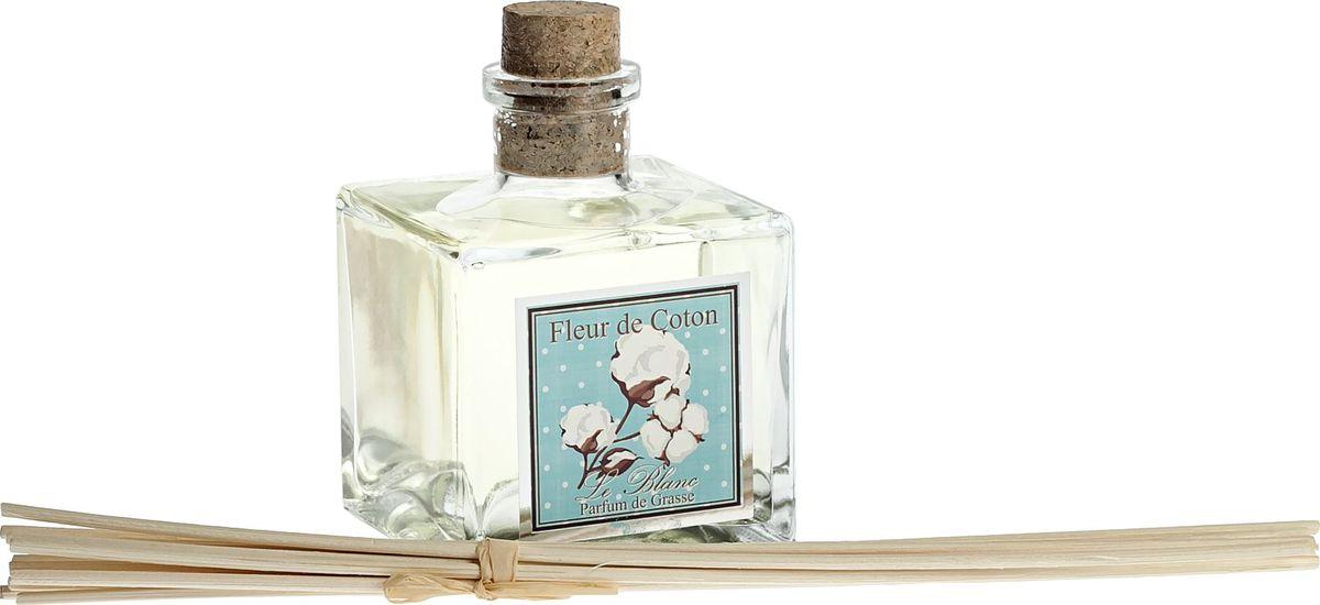 Диффузор ароматический Le Blanc Хлопок, 200 мл2000000046020Аромат хлопка - это свежий, нежный и чувственный аромат, который нам принёс весенний и легкий бриз с белоснежных хлопковых полей. Этоаромат женственности и любви, очень лёгкий цветочный запах, который напоминает нам о весне и любви. Это аромат тех, кто умеетнаслаждаться красотой и лёгкостью бытия. Он настроит Ваше настроение на совершенно новый эмоциональный лад - на восприятие красоты ичувственного очарования окружающего мира. Диффузор, упакованный в подарочную коробку, будет отличным подарком. В комплект входитемкость с жидкостью в выбранном объеме, тростниковые палочки, картонная коробочка.