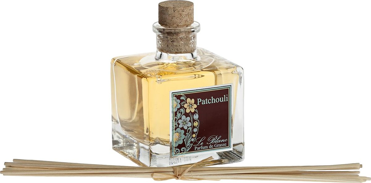 Диффузор ароматический Le Blanc Пачули, 50 мл2000000046662Ароматический диффузор Le Blanc Пачули наполнит дом неповторимым ароматом. Это теплый, смолистый, древесно-землистый аромат навевает грёзы о востоке - тенистых садах, овеянных ночной тенью. Благоухание пачули магнетизирует и завораживает. Это мощный афродизиак, разжигающий любовную страсть. Это аромат загадки, пленительной тайны и завораживающего праздника, благоухание экзотической свежести. Диффузор, упакованный в подарочную коробку, будет отличным подарком. В комплект входит емкость с жидкостью в выбранном объеме, тростниковые палочки, картонная коробочка.