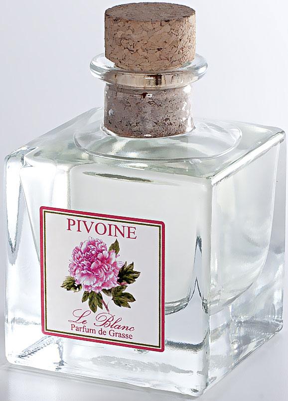 Диффузор ароматический Le Blanc Пион, 50 мл2000000050577Ароматический диффузор Le Blanc Пион наполнит дом неповторимым ароматом. Аромат Пиона напоминает аромат старинных роз. Этот роскошный цветок часто сравнивают с розой. О нём говорят, что это цветок, насыщенный ароматом тысячи роз. Аромат пиона цветочный, сладкий, насыщенный, терпкий. Причем он разный в зависимости от цвета цветка. Розовые пионы пахнут розами, в аромат которых вплетается яблочная кислинка, белый пахнет водной свежестью, запахом дождевых капель, тёмные источают терпкий мускусный аромат. В аромат пионов могут вплетаться пряные, жасминовые и даже кофейные ноты. Аромат пиона - очень чувственный, интригующий, в нём таится некая таинственная загадка, создавая особый букет, проникнутый томными восточными нотами. Диффузор, упакованный в подарочную коробку, будет отличным подарком. В комплект входит емкость с жидкостью в выбранном объеме, тростниковые палочки, картонная коробочка.