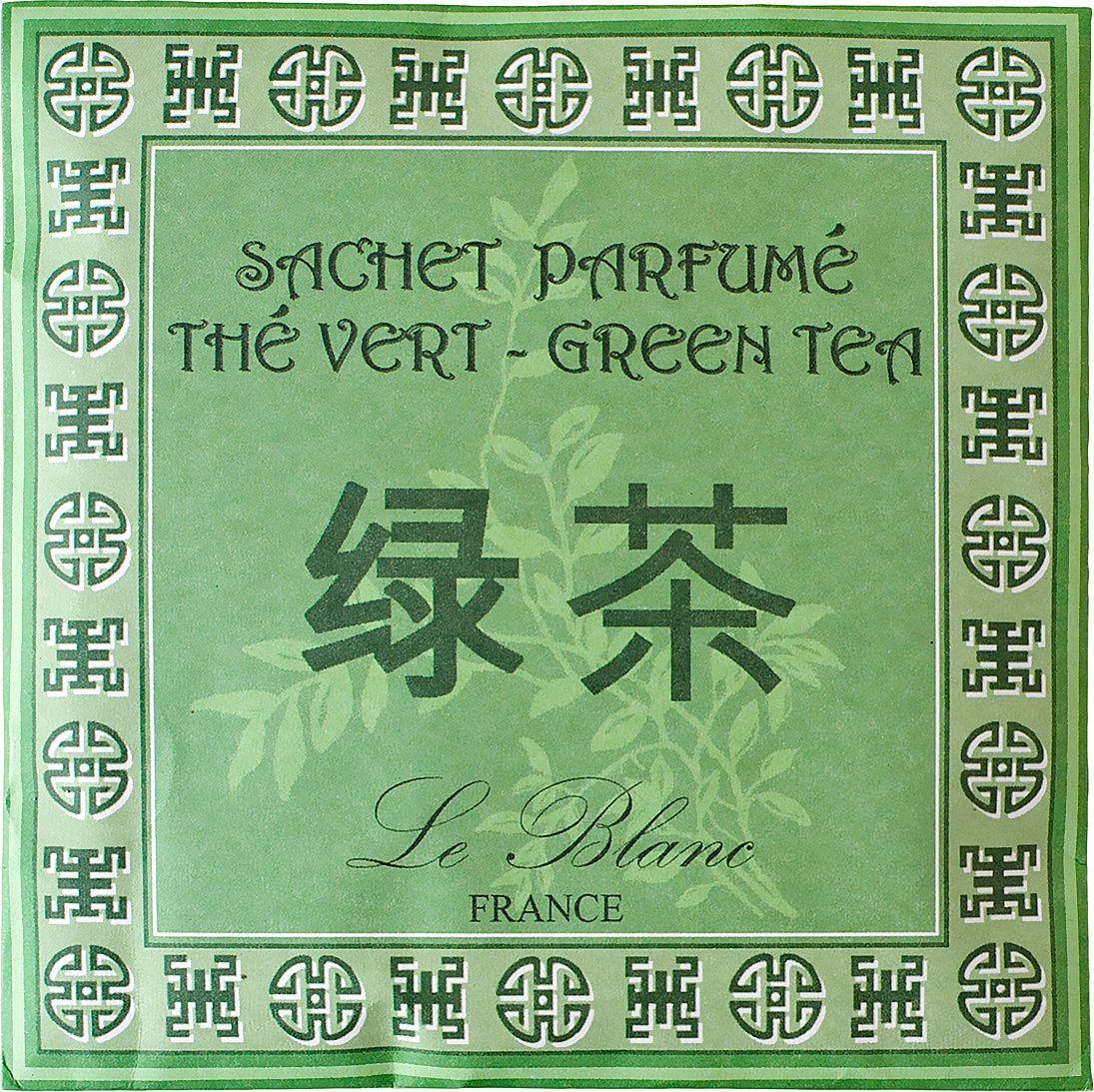 Саше ароматическое Le Blanc Зеленый чай3760110093381Подарки от Le Blanc - это роскошь в мелочах, определяющих стиль. Эти изящные вещицы привносят в нашу жизнь тонкие, нежные ароматы, создают настроение легкости и воздушности. Саше относятся к разряду тех мелочей, благодаря которым создается настоящий уют в доме. Аромат зелёного чая – тонкий и изысканный, очень бодрящий, и вместе с тем непередаваемо узнаваемый. Это свежий чудесный запах, с тонкими древесными нотами, который навевает ощущение домашнего тепла и уюта. Аромат зелёного чая проникнут тонким и уловимым запахом, в котором смешалась и свежая кислинка цитрусовых, и хрупкие растительные, древесные и водные ноты. Он словно дарит нам чистоту и прохладу зелёной древесной чащи или бескрайнего чайного поля, омытого росой.
