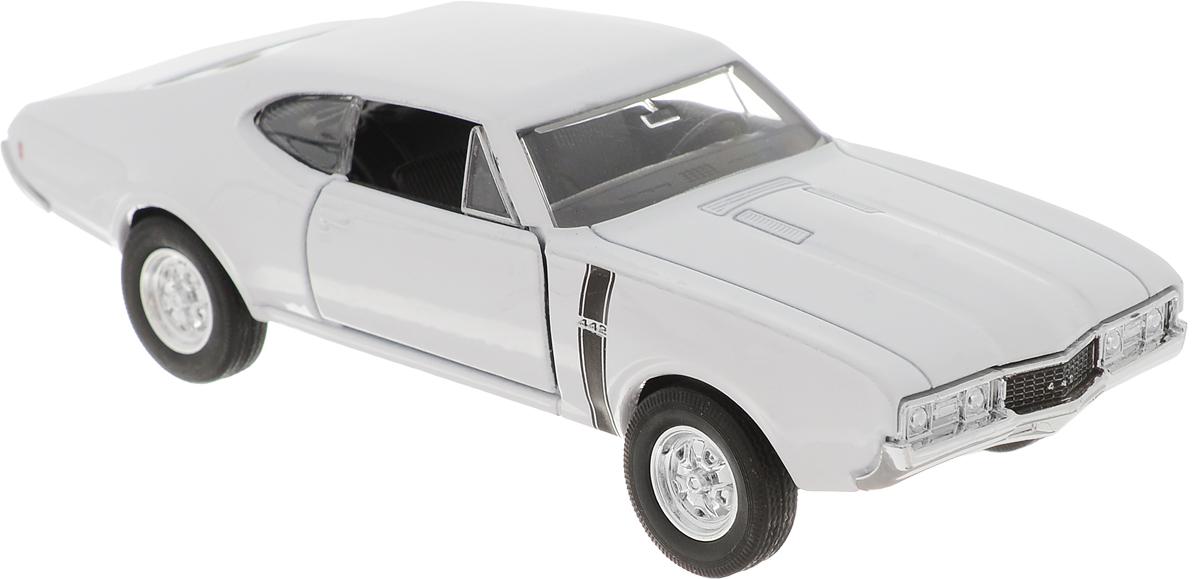 Welly Модель автомобиля Oldsmobile 442 1968 цвет белый 1968 год пражская весна историческая ретроспектива