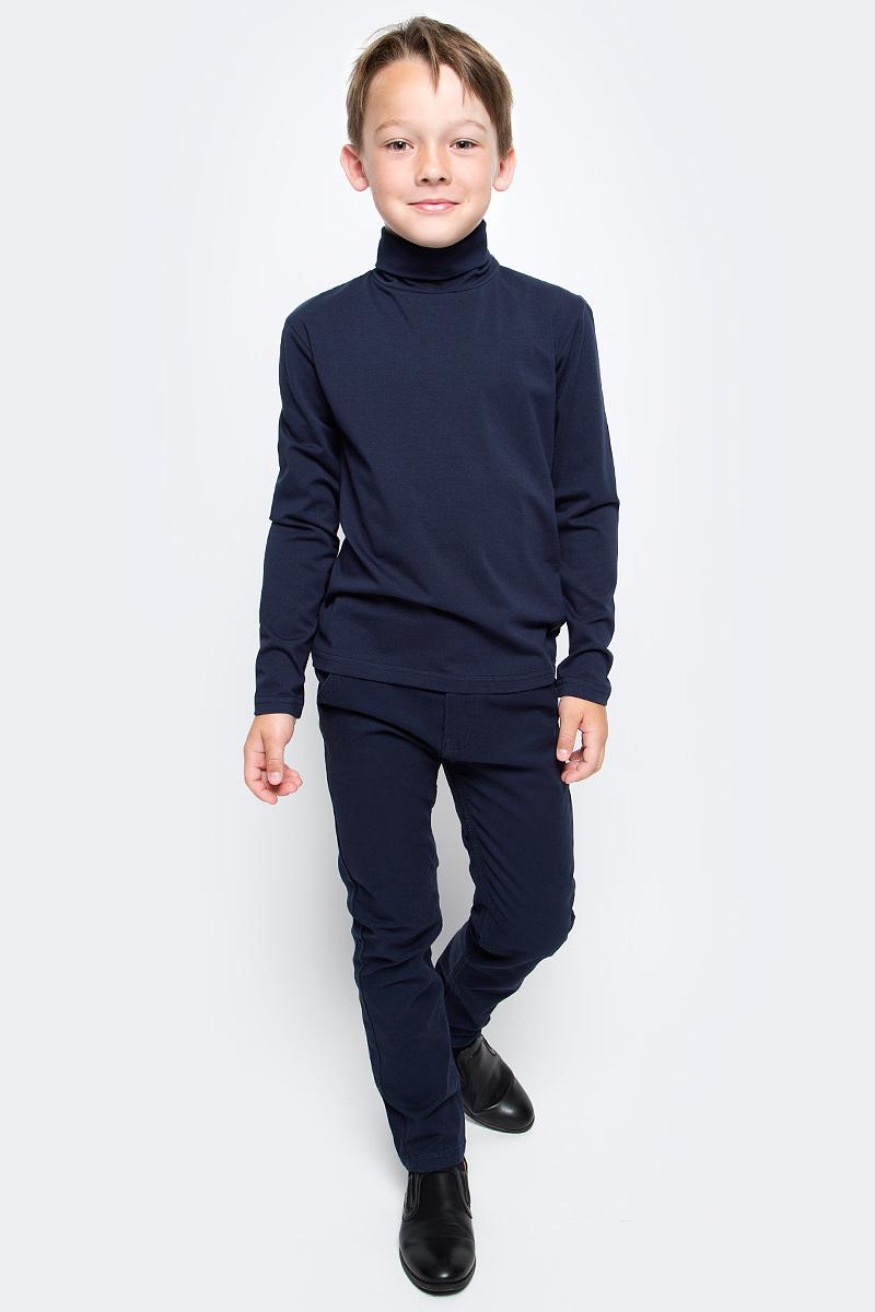Водолазка для мальчика Luminoso, цвет: темно-синий. 727034. Размер 140727034Водолазка для мальчика Luminoso изготовлена из хлопка с добавлением эластана. Модель имеет длинные рукава и воротник-стойку. Выполнена в классическом дизайне.