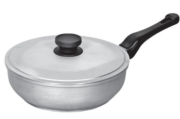Сковорода, диаметр 24 см, с пластиковой ручкой и крышкой БИОЛ2409К