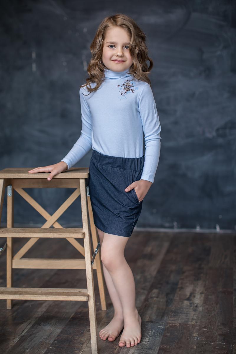 Юбка для девочки Мамуляндия Нежная, цвет: темно-синий. 17-0435. Размер 11017-0435Юбка для девочки Мамуляндия Нежная изготовлена из трикотажного джинсового полотна. Спереди расположены два втачных кармана.