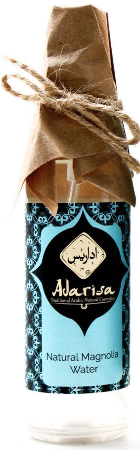 Adarisa Гидролат магнолии, 100 млADAR0121Гидролат магнолии – великолепное увлажняющее, успокаивающее и освежающее кожу средство. Он не только глубоко питает дерму, но и наполняет ее здоровым сиянием, придавая ей ухоженный вид. Его нежный, романтичный и чарующий аромат делает этот гидролат поистине женской цветочной водой.Запах гидролата магнолии обладает выраженным психоэмоциональным действием. Нежный, трогательный и изысканный аромат, в котором улавливаются пудровые и зеленые оттенки, поднимет настроение, придаст уверенности в себе, способствует восстановлению нервной системы, наполнит необходимой гармонией и окружит атмосферой комфорта и покоя.И все же гидролат магнолии стоит приобрести не только за один волшебный аромат. Это натуральное средство обеспечит коже необходимый уход, поддерживая достаточный уровень увлажненности, успокаивая и освежая кожный покров, а также наделяя его здоровым сияющим оттенком.Гидролат магнолии – еще и великолепное средство для ухода за волосами. Он способствует их глубокому увлажнению, а также помогает значительно улучшить их структуру и внешний вид.